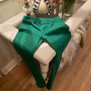 Lauren Conrad Kelly Green size 6 pair of pants! 💚